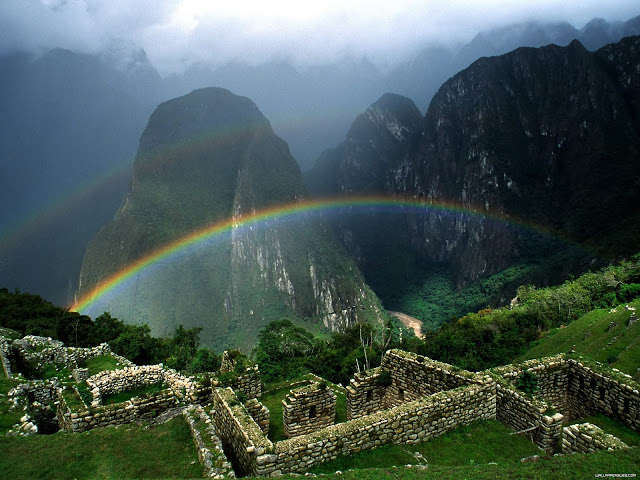 Rainbow_Over_Machu_Picchu_Peru